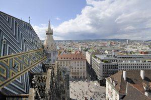 Stephansdom - Dach mit Wienblick. Foto © Schaub-Walzer / PID, www.wien.gv.at