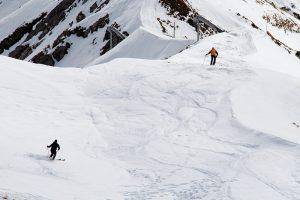 Skifahrer in den Alpen. Foto: insiderrreiseziele.net