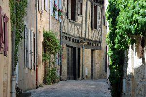 malerisches Montignac: die Rue Archipretre Noel