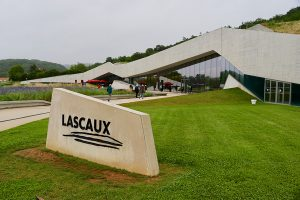 "architektonisches Highlight: das ""Centre International d'Art Pariétal – Lascaux IV"""