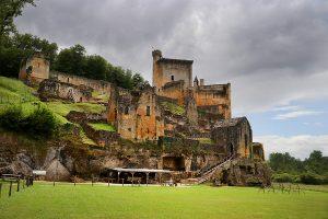 die sehenswerte Ruine des Chateau Commarque