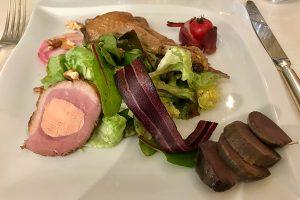 La Salade Périgourdine - hier im Restaurant Laborderie in Tamiens
