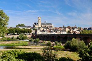 Nevers - hier fließen die Loire und Allier zusammen