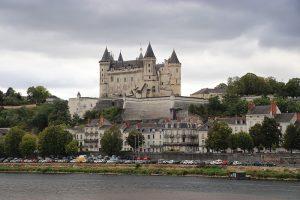 """Saumur ist Heimat der Reitschule """"Cadre Noir"""" - und hat ein pächtiges Schlösschen!"""