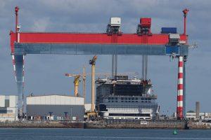 """Bau von """"Schwimmenden Städten"""" in den Werften von St. Nazaire"""
