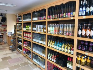 Der Werksverkaufshop der Destillerie Paul Devoille