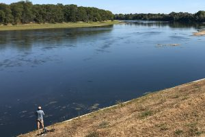 immer wieder zu sehen: Fischer an der Loire, wie hier bei Guilly