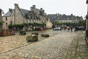 """""""Museumsdorf"""" Locronan - seinen Charme der Anfänge im 20. Jahrhundert hat der Ort längst verloren. Und das liegt in diesem Falle nicht am Nieselregenwetter!"""