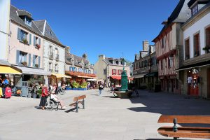 "der zentrale Platz der ""Ville close"" in Concarneau"