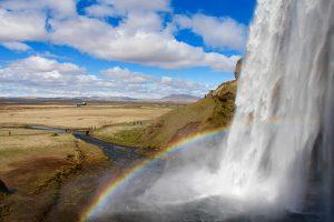 Berühmt für seinen Regenboden: der Seljalandsfoss im Südwesten von Island