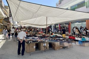 Markttag in Mires am 29. Mai 2021